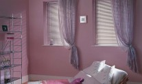 girls bedroom mauve aluminium venetian